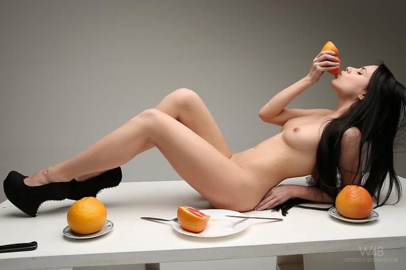 valeria-fruits-watch4beauty-09