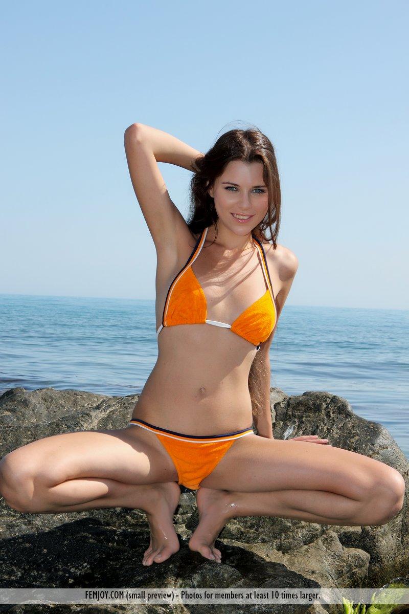 marina-t-bikini-femjoy-01