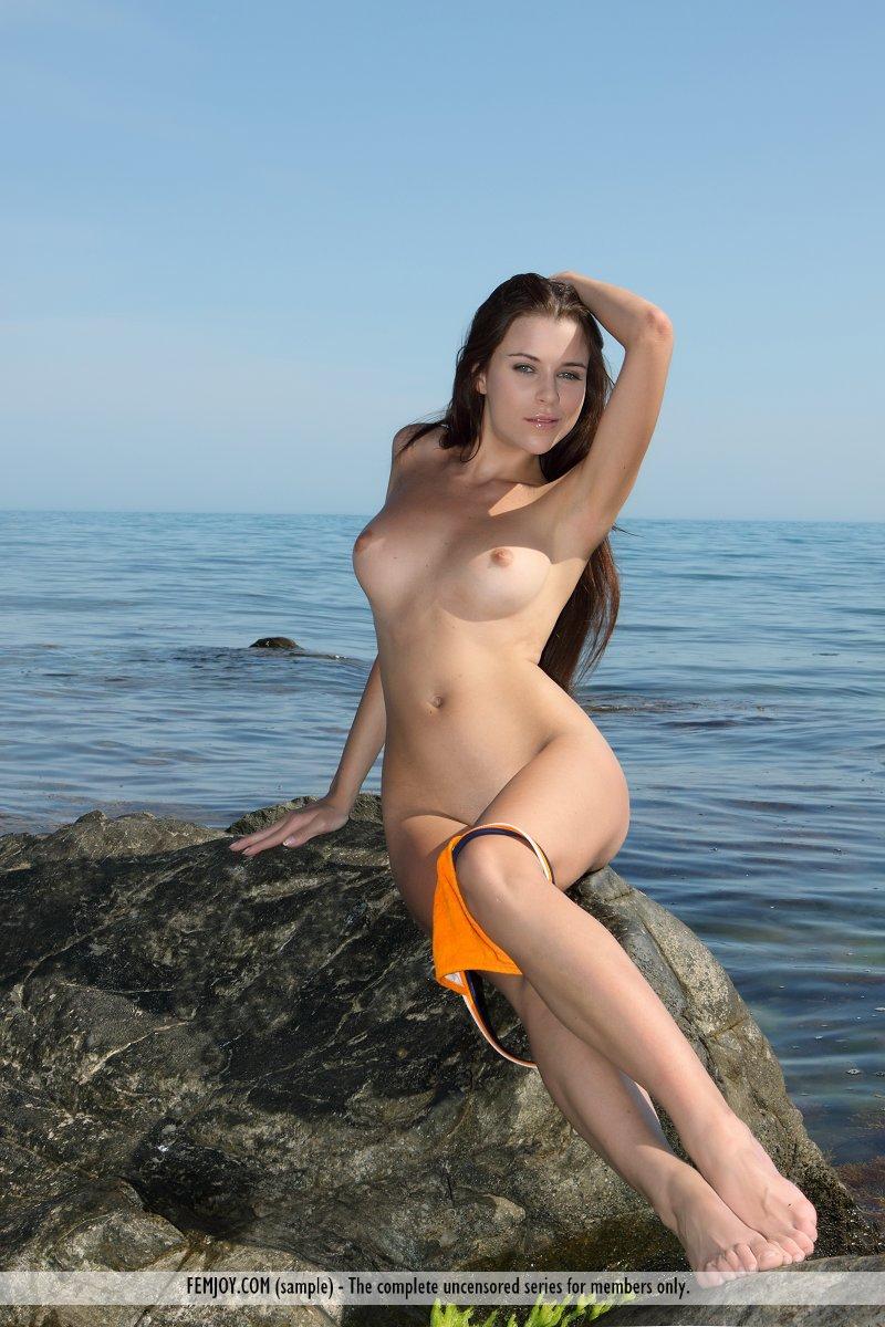 marina-t-bikini-femjoy-06
