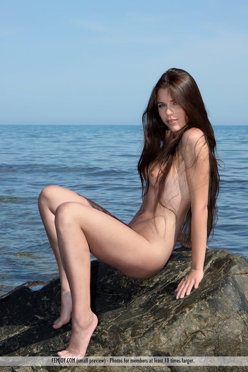 marina-t-bikini-femjoy-11