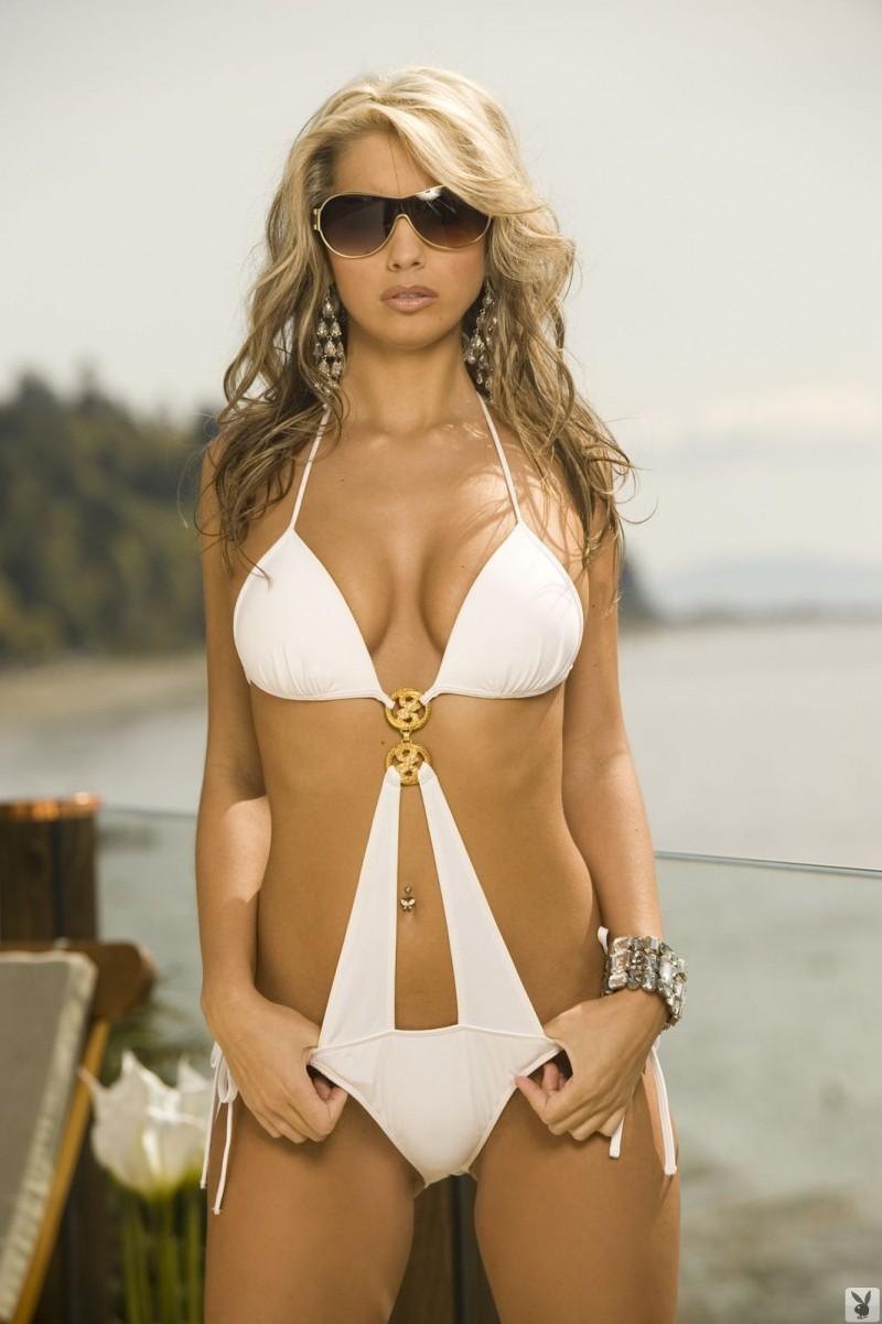 valerie-rae-bikini-playboy-01