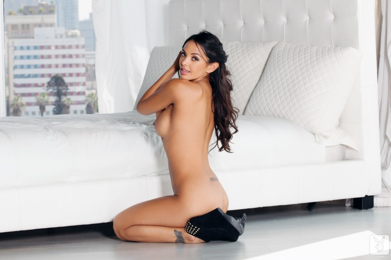 valerie-stunings-nude-playboy-09