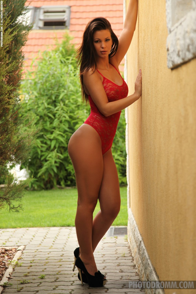 vanessa-red-body-photodromm-01