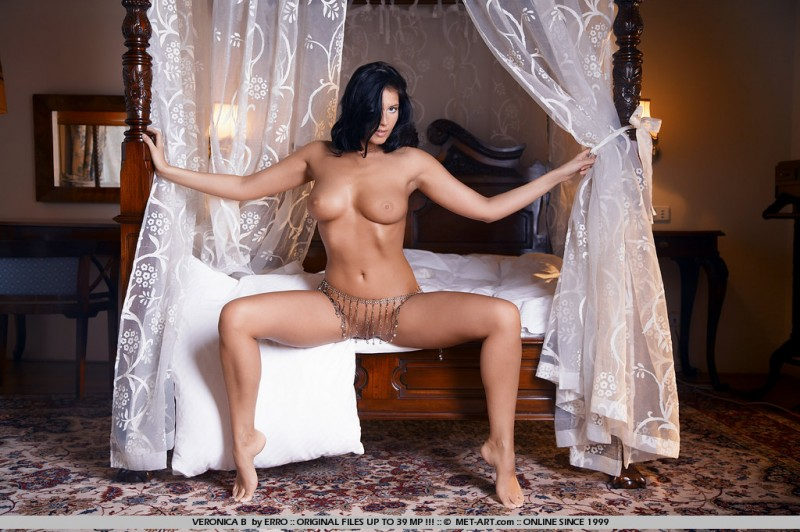 veronica-b-bedroom-met-art-17