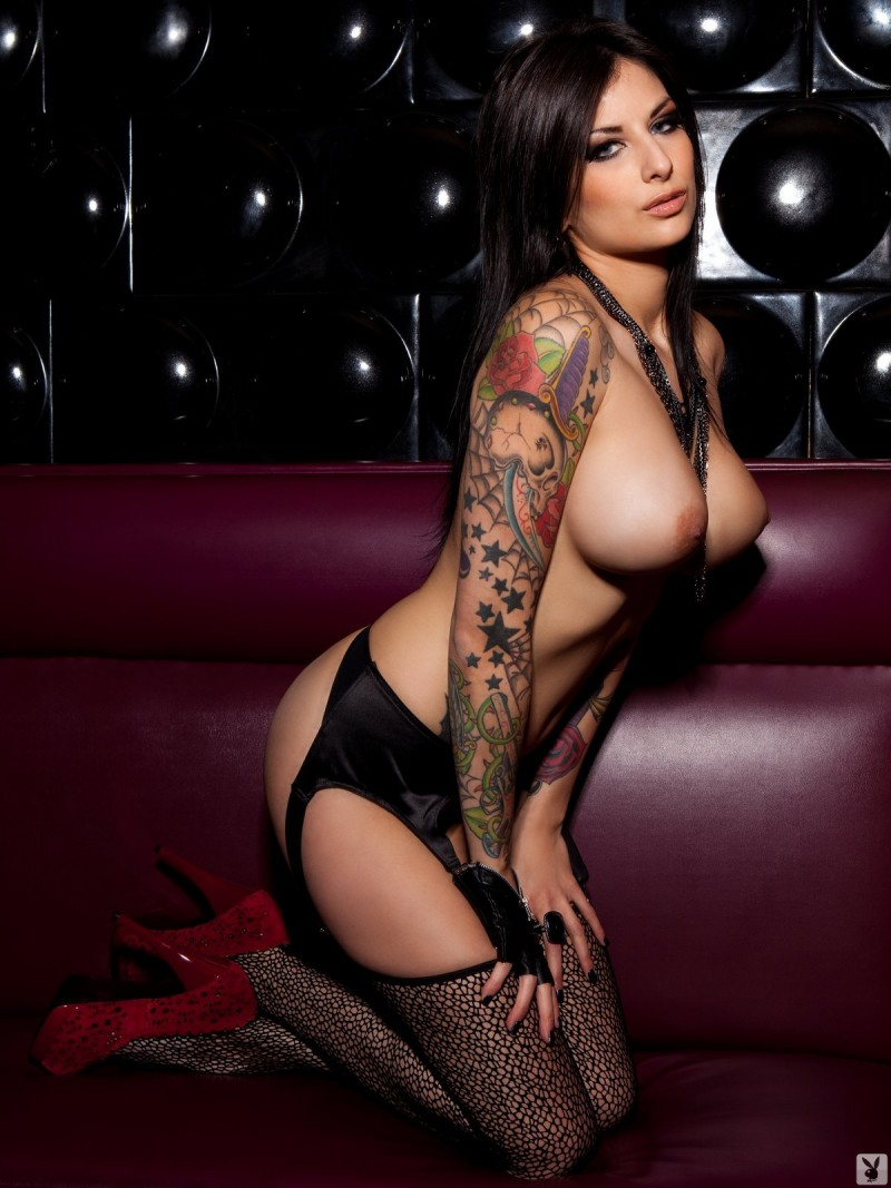 nude curvy girls with tattoos