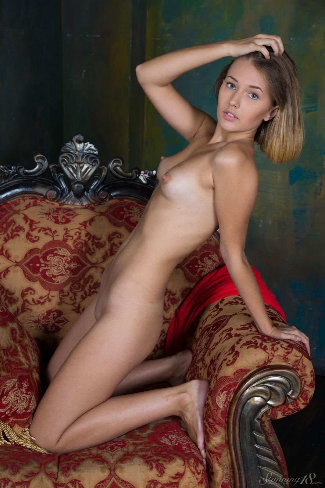 Teen veronica nude
