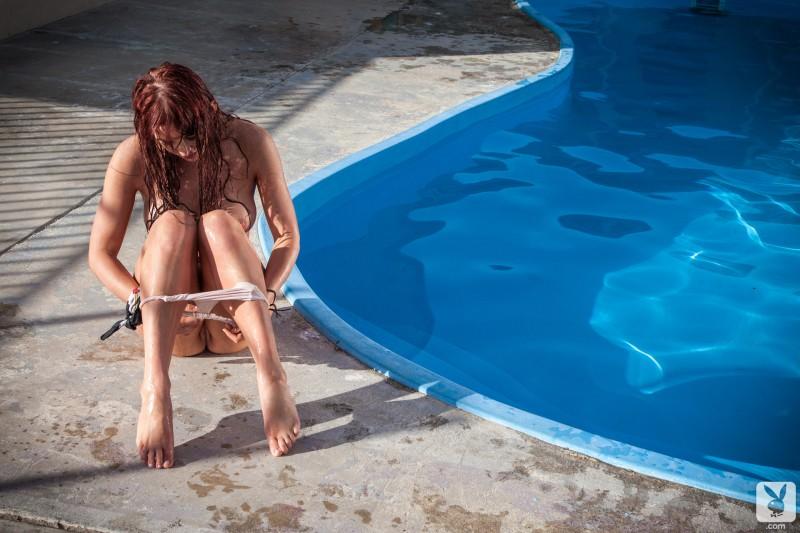 veronica-ricci-pool-playboy-12