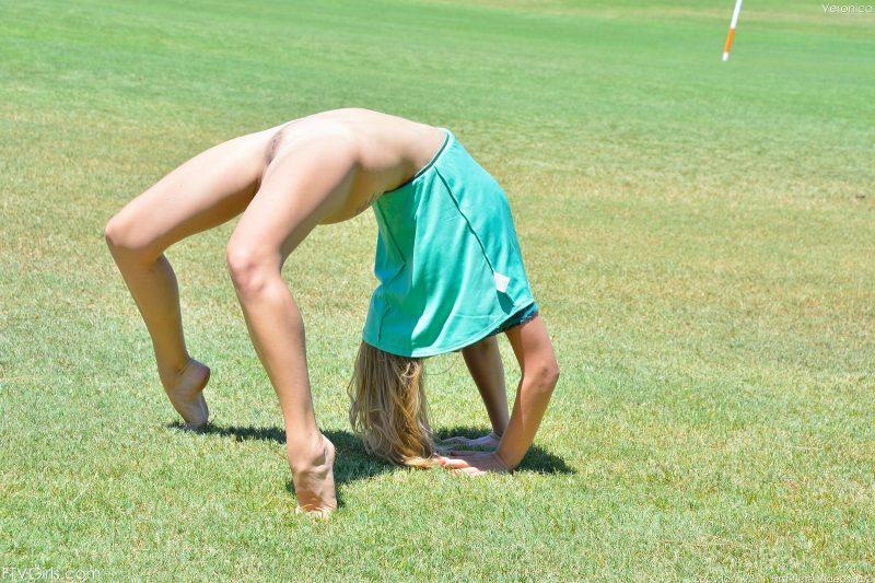 veronica-public-nude-park-ftvgirls-16