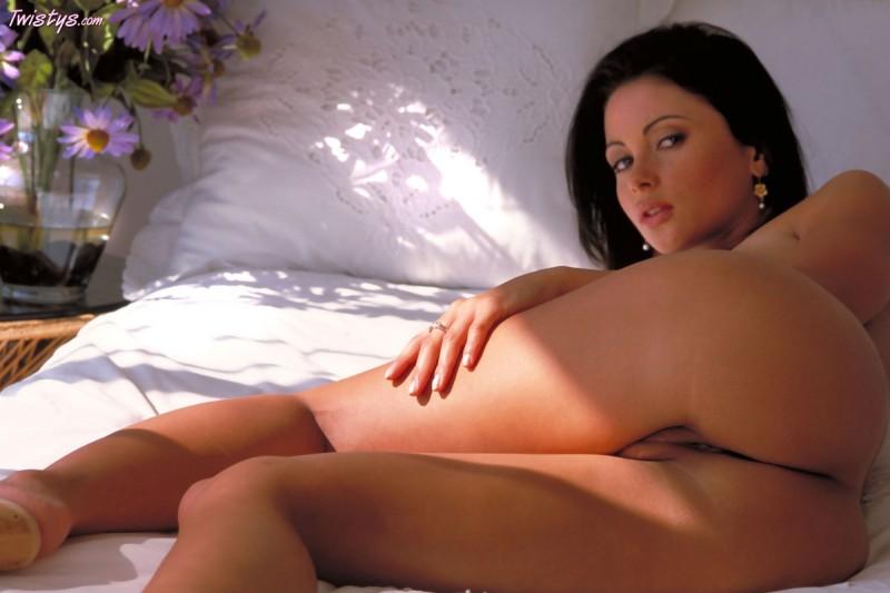 veronica-zemanova-bedroom-naked-twistys-08