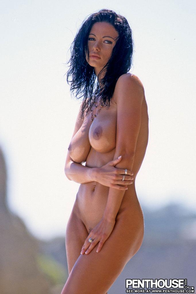 veronica-zemanova-beach-naked-tits-penthouse-08