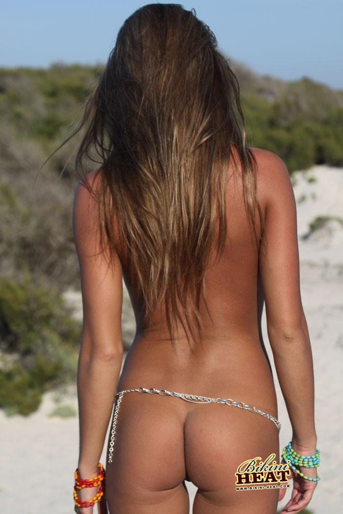 veronika-fasterova-nude-bikini-heat-01