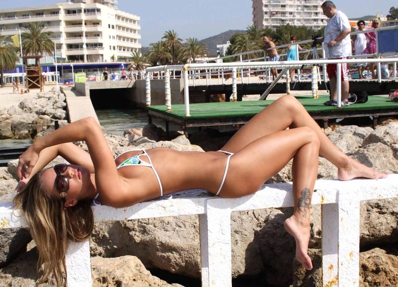 veronika-fasterova-bikini-02