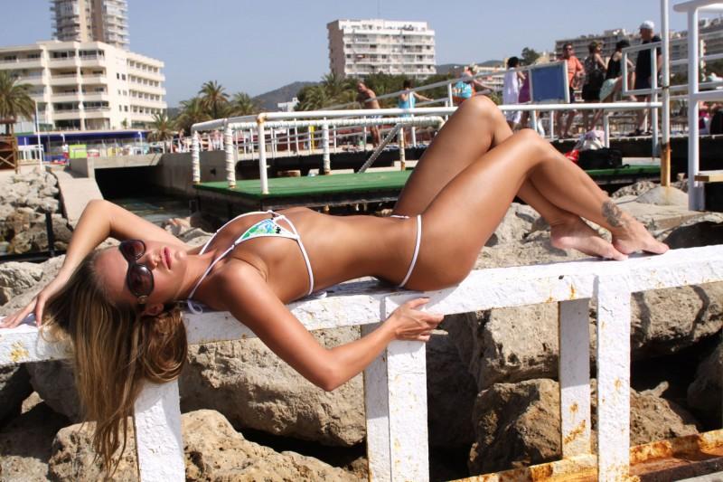 veronika-fasterova-bikini-03