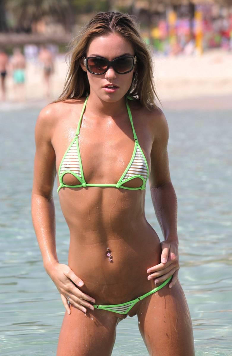 veronika-fasterova-micro-bikini-beach-nude-02