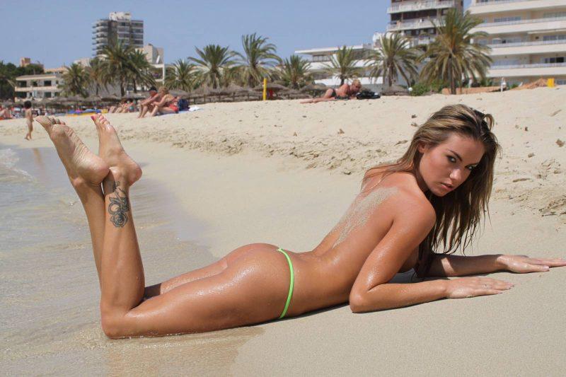 veronika-fasterova-micro-bikini-beach-nude-16