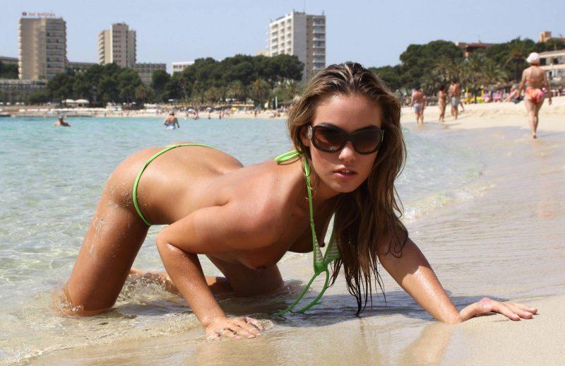 veronika-fasterova-micro-bikini-beach-nude-18