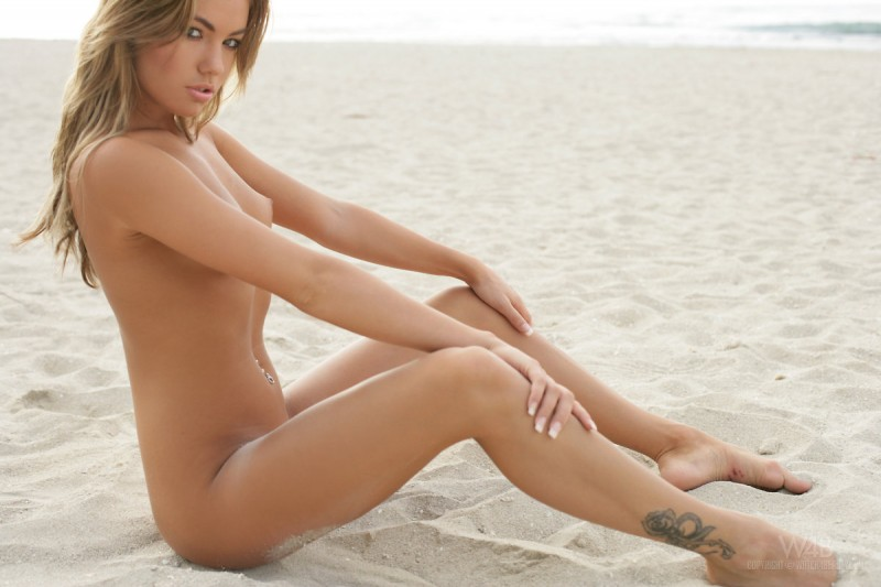 veronika-fasterova-beach-13