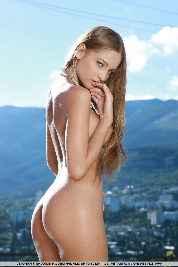 veronika-f-poolside-nude-met-art-05