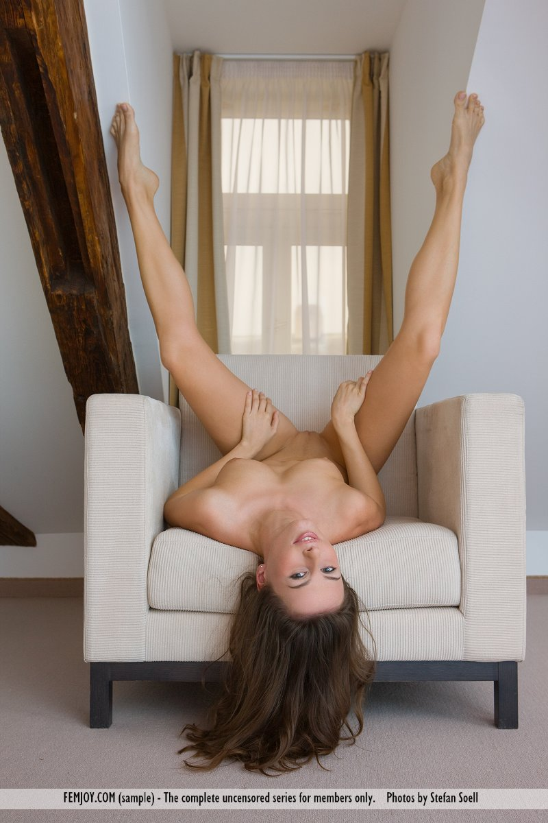 veronika-vesela-armchair-femjoy-04