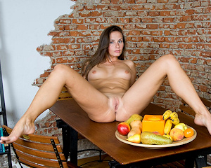 veronika-vesela-nude-on-table-femjoy
