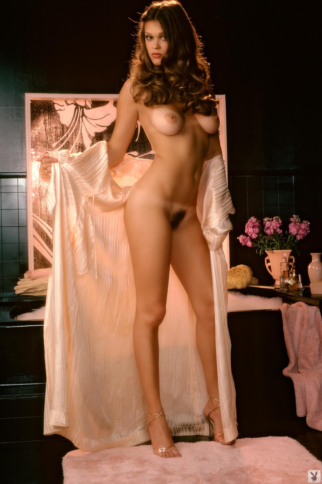 nude or naked kim novak