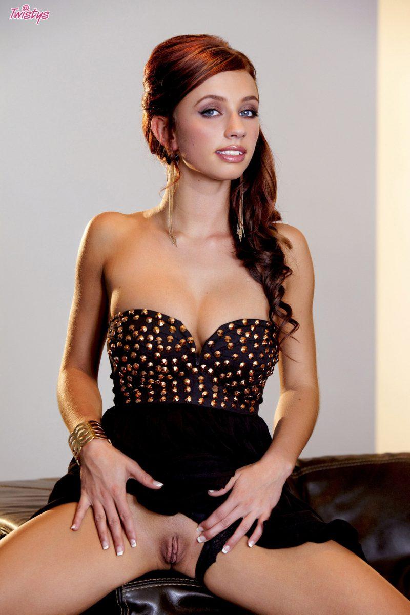 victoria-lynn-black-dress-naked-twistys-03