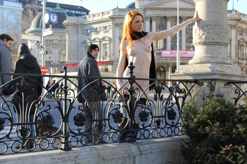vienna-redhead-nude-public-voyeurweb-02