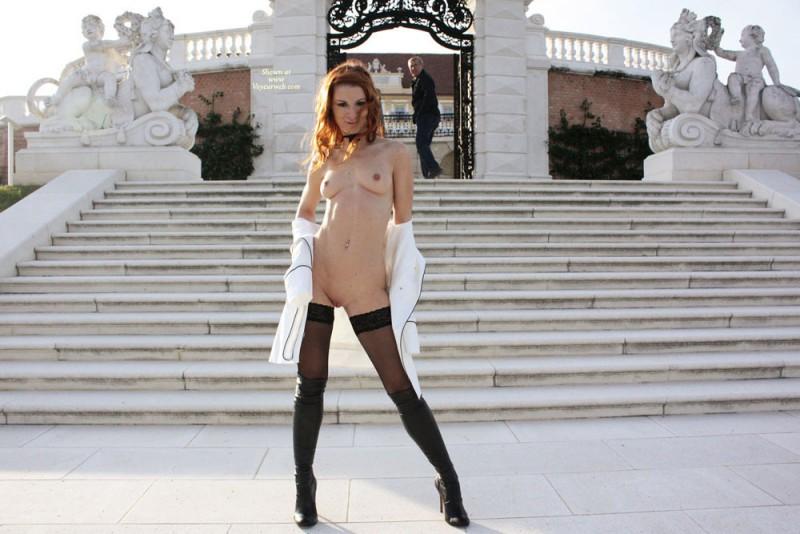 vienna-redhead-nude-public-voyeurweb-33