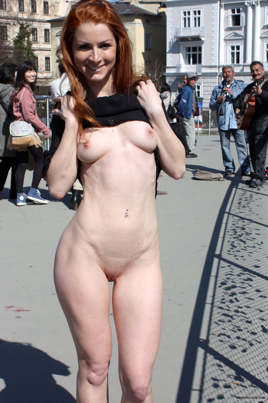 vienna-hot-day-in-salzburg-public-nude-06