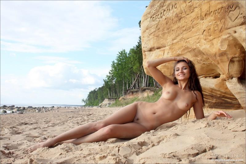 mira-nude-beach-mplstudios-09