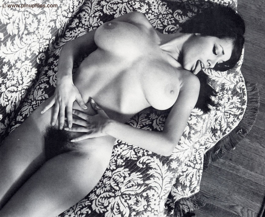 Vintage Erotic Gallery 54