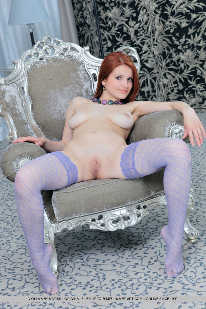 violla-in-stockings-12