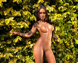 mareeva-bikini-boobs-naked-photodromm