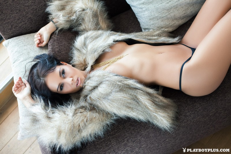vivien-fur-naked-high-heels-playboy-03