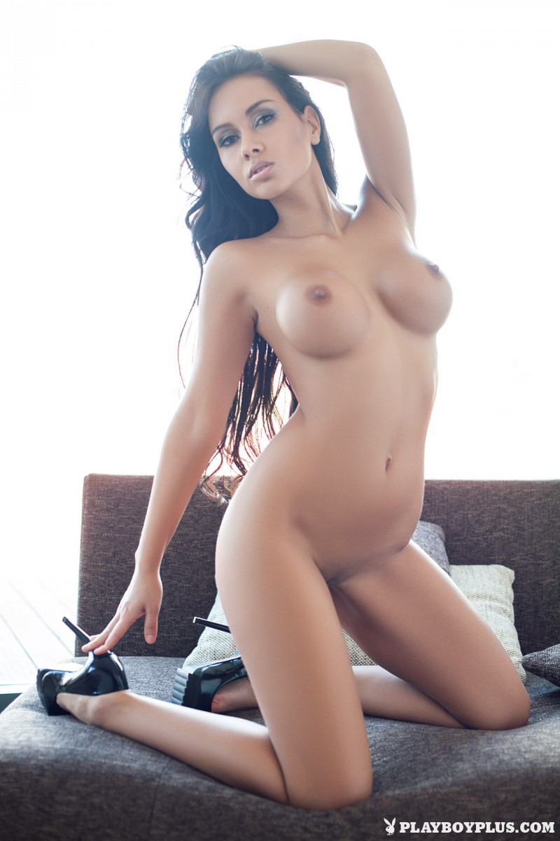 vivien-fur-naked-high-heels-playboy-21
