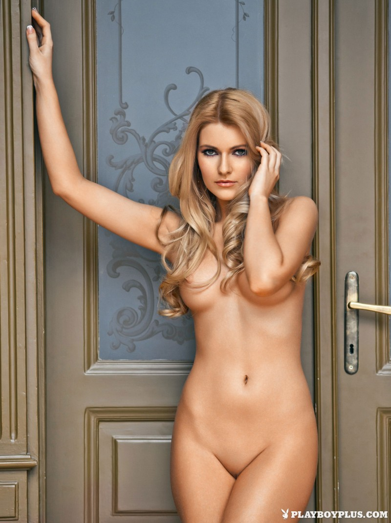 vivien sasdi naked hungarian playboy 01