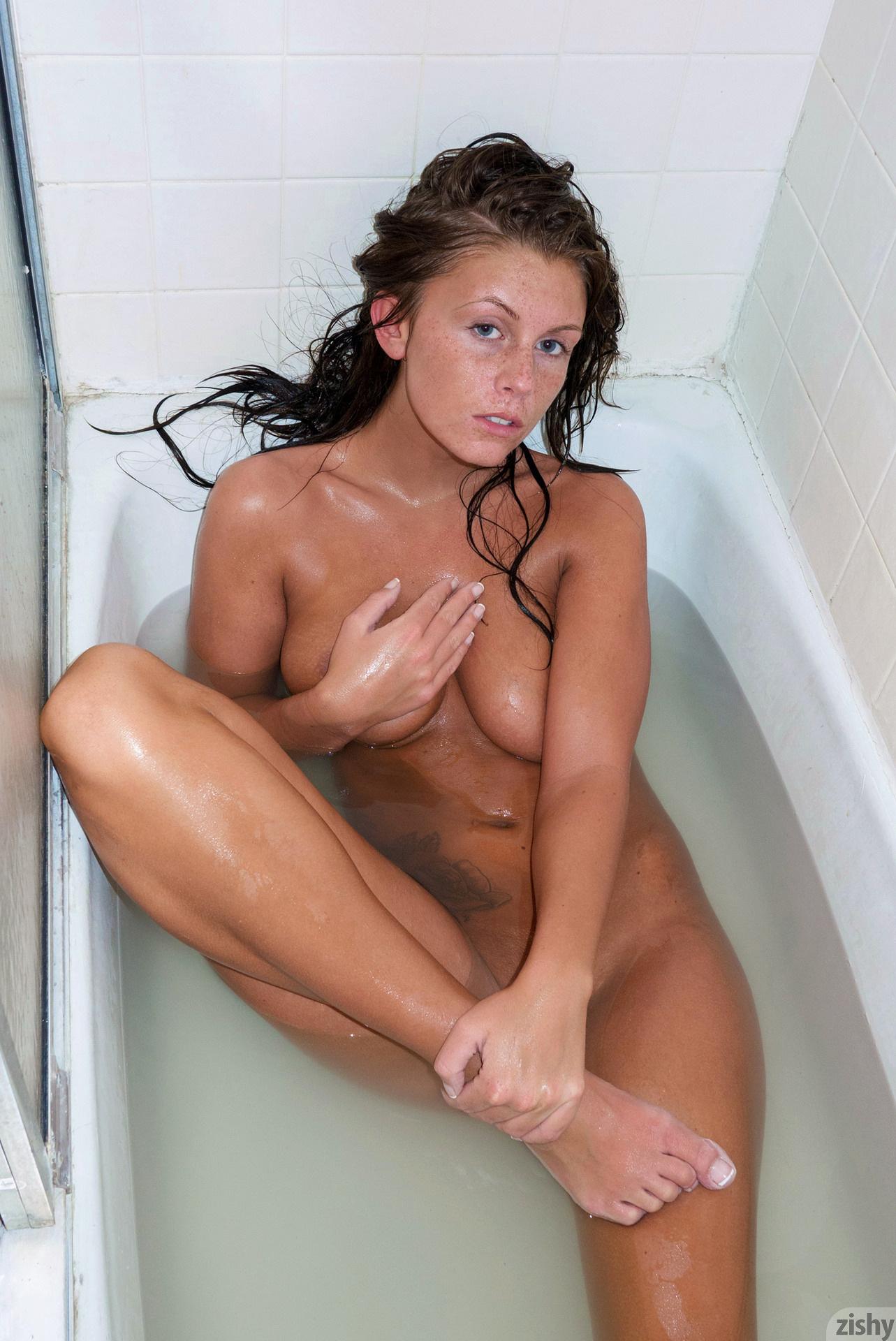 whitney-westgate-bathroom-shower-nude-zishy-21