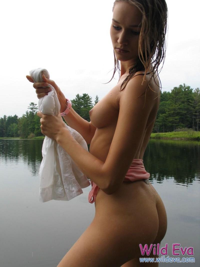 wild-eva-lake-wet-nude-08