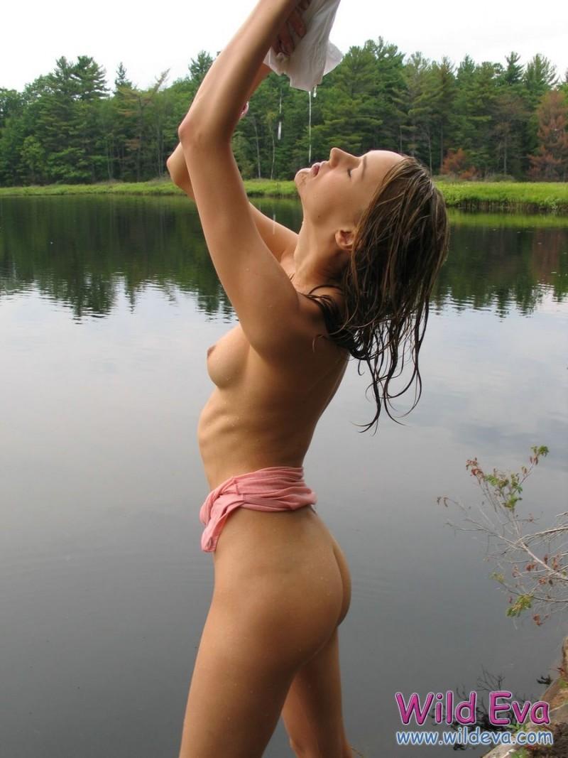 wild-eva-lake-wet-nude-10