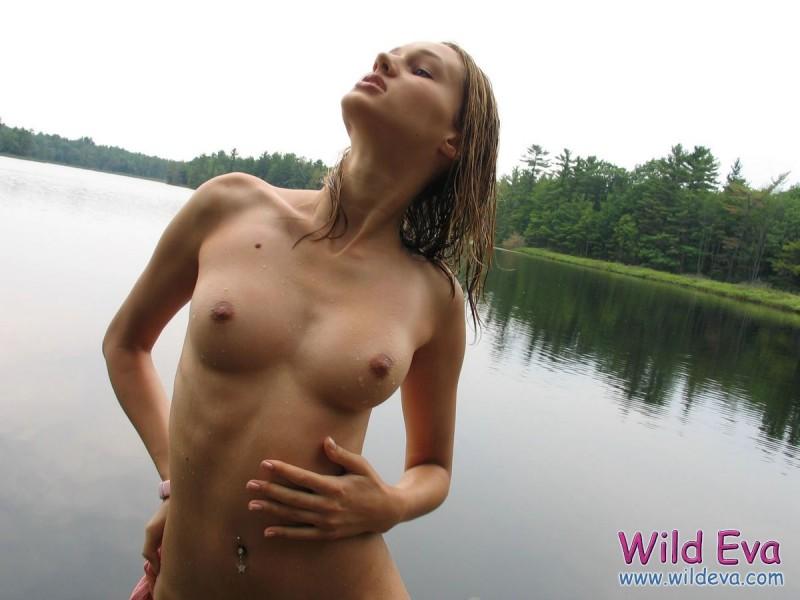 wild-eva-lake-wet-nude-13