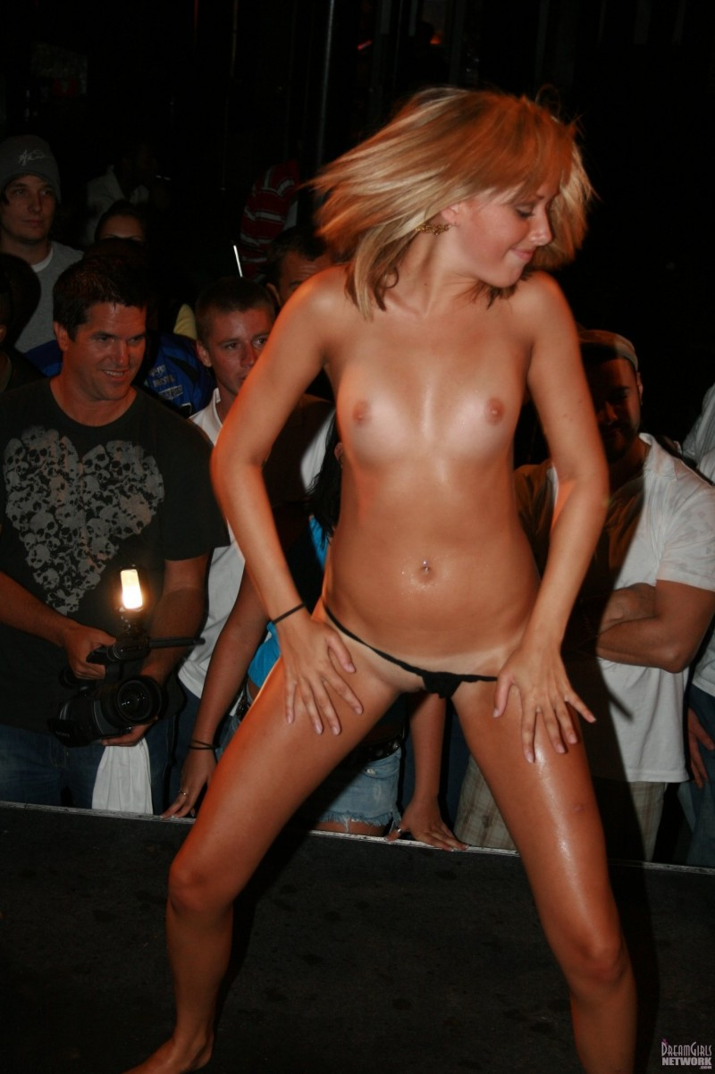 naked wet t shirt contests