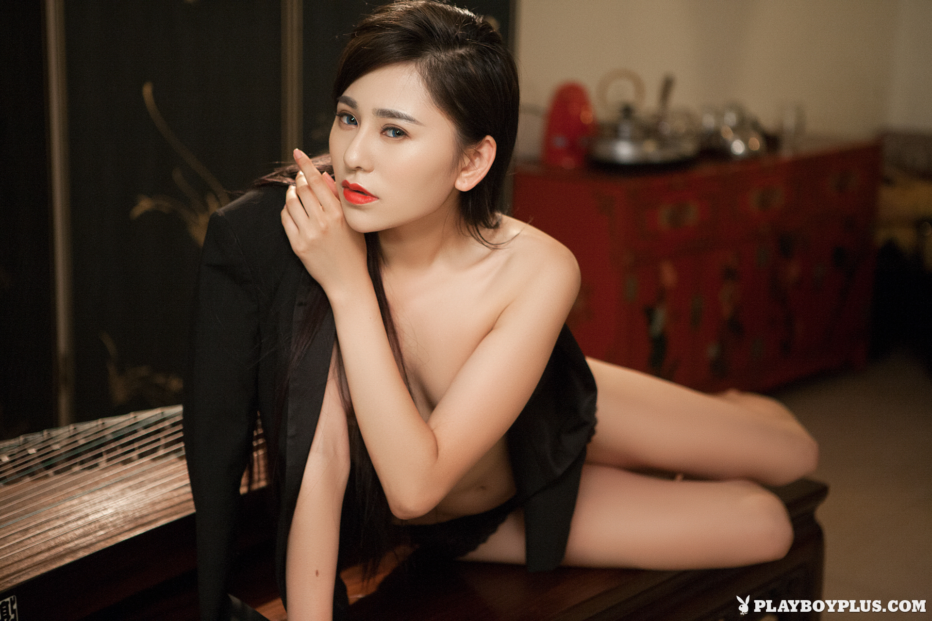 wu-muxi-naked-chinese-black-jacket-playboy-02