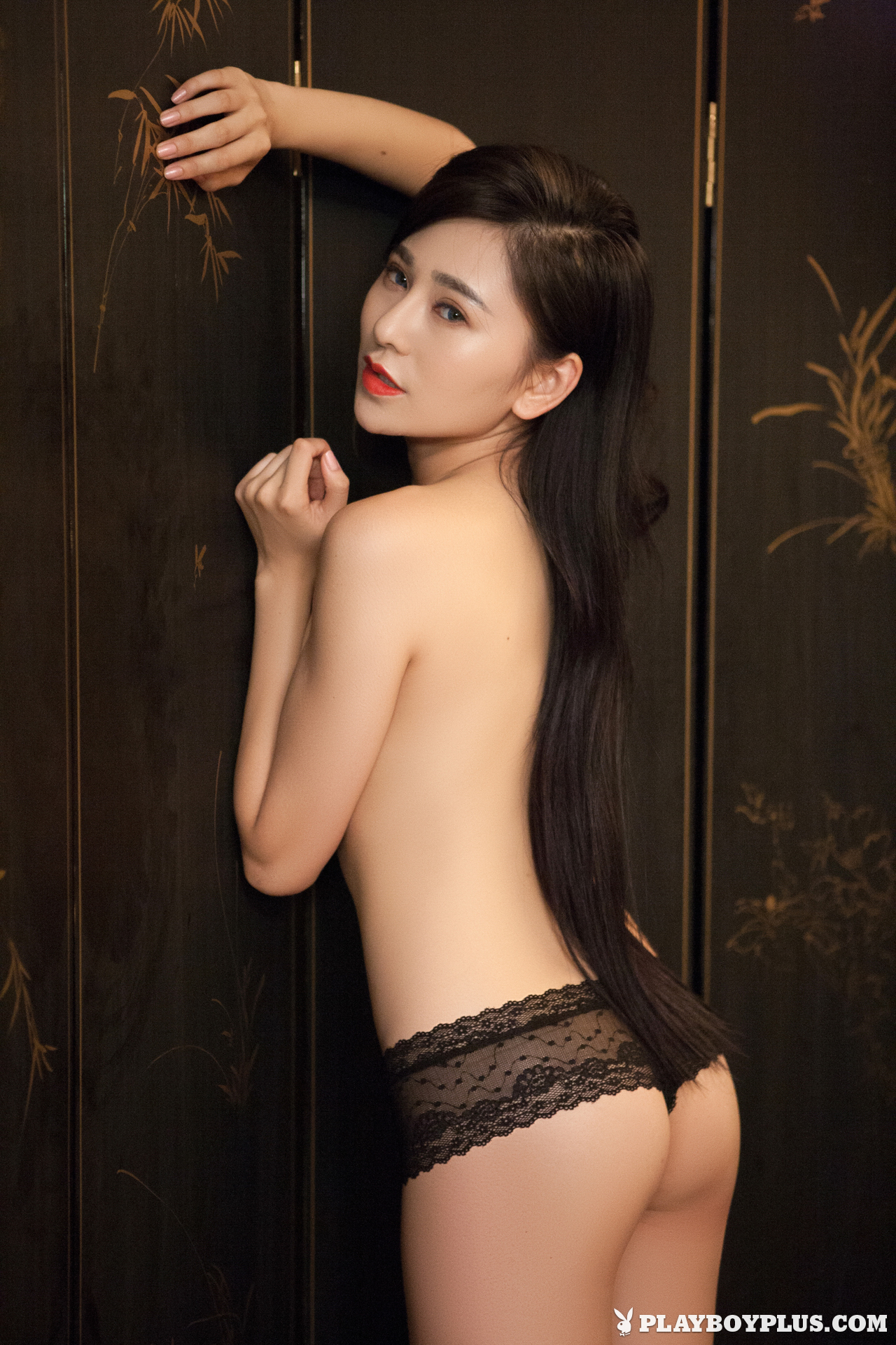 wu-muxi-naked-chinese-black-jacket-playboy-11