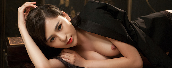 Wu Muxi in black jacket