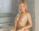 xena-nude-blonde-shorts-metart
