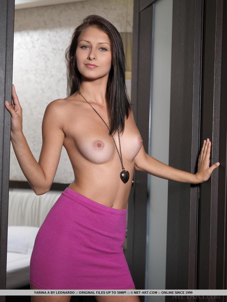 yarina-a-chair-nude-metart-02