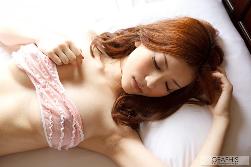 yuria-ashina-nude-bedroom-graphis-01