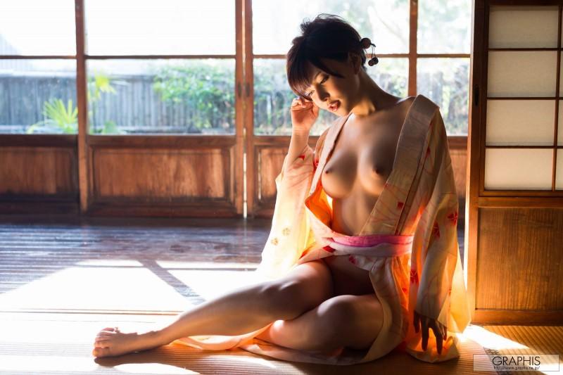 yuria-satomi-nude-kimono-graphis-07