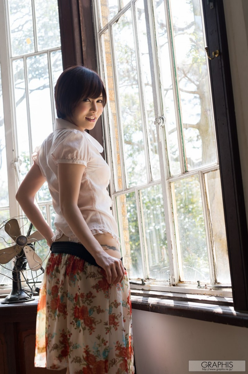 yuria-satomi-naked-home-graphis-10