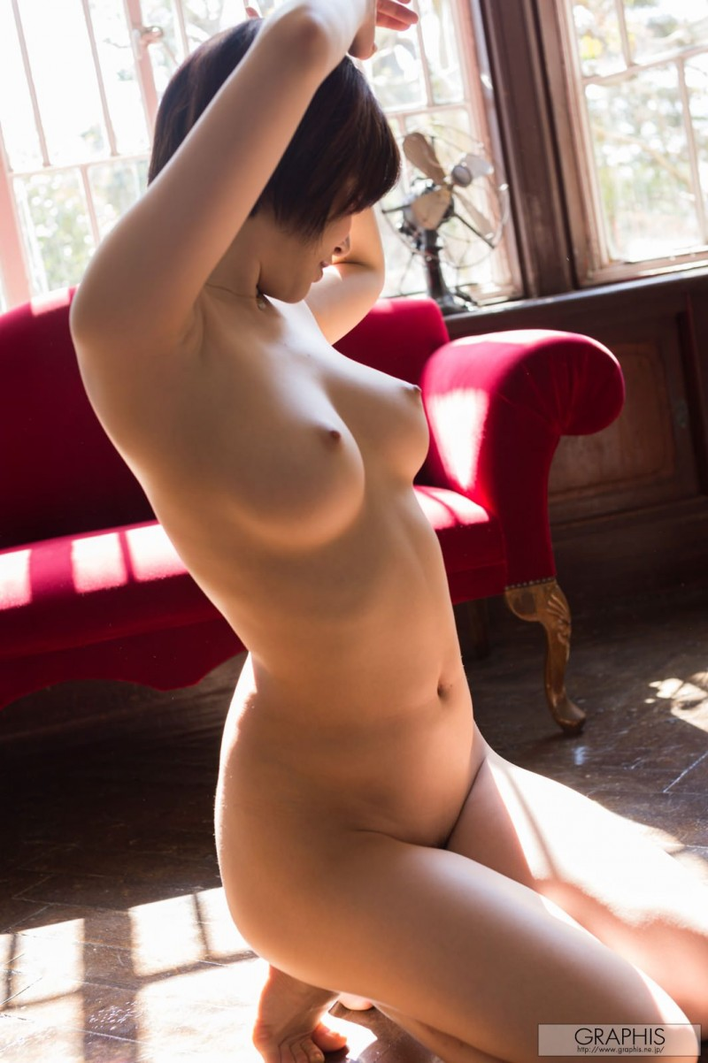yuria-satomi-naked-home-graphis-35